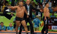 Rio-2016: Monqol məşqçilərdən qeyri-adi etiraz (Şəkil)